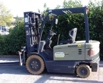 UN Forklift FB35 UN Forklift