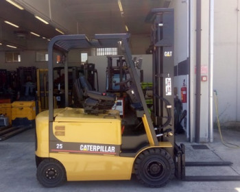 Cat Lift Truck EP25K PAC Cat Lift Truck