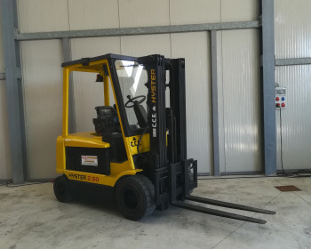 Hyster J2.50XM-717 Hyster