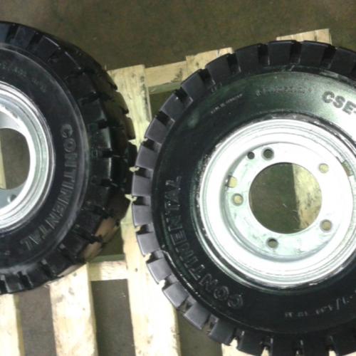 (Non specificato) Coppia coperture con cerchio 600x9